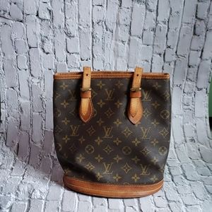 Pre-owned Authentic Louis Vuitton Bucket bag